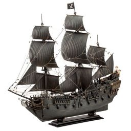 Plastikový model lodě Black Pearl (1:72) - Revell Limited Edition 05699